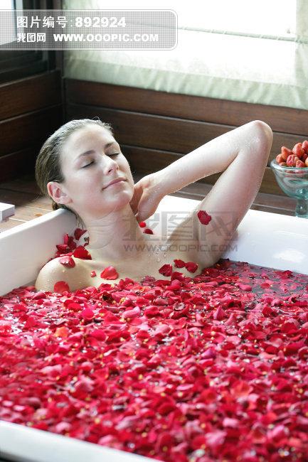 欧洲美女沐浴图片素材图片编号:892924