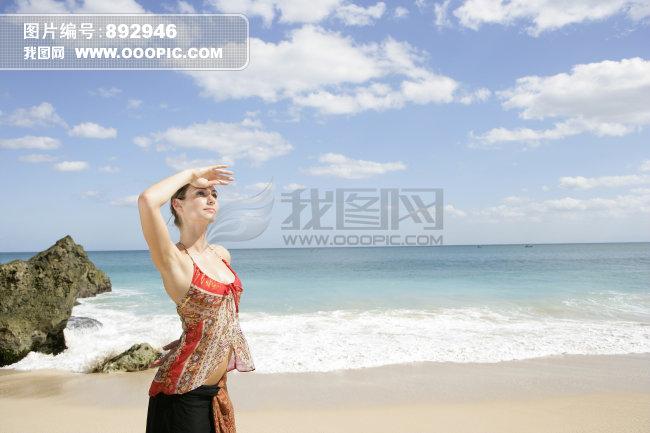 海邊圖片_海邊的女人 cool_海邊的女人