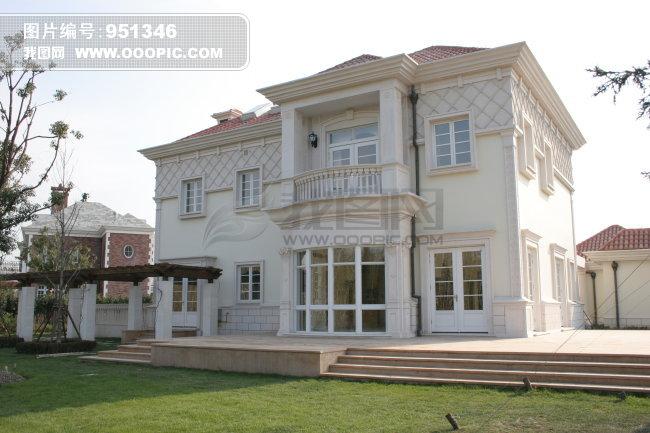 托玛士门窗 门 窗欧式 华丽 别墅 白色 洋楼 花园别墅 二层小楼 白天