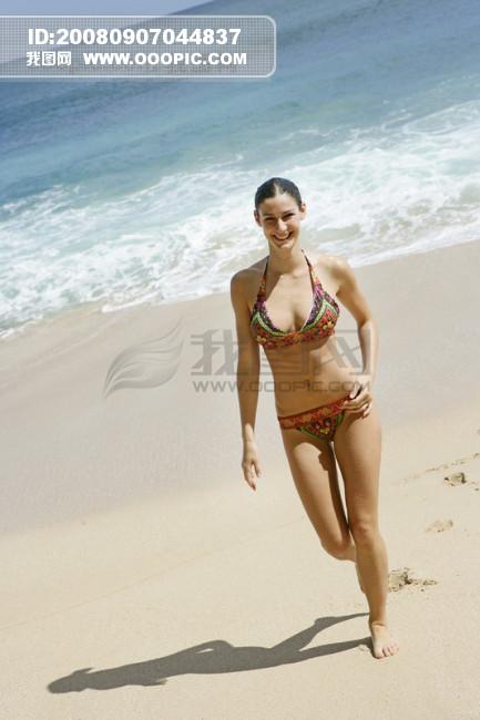 美女沙滩生活照